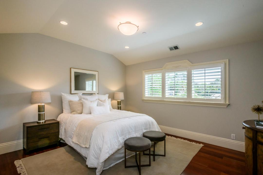 108 La Loma Ln Burlingame CA-large-036-31-Bedroom-1500x1000-72dpi