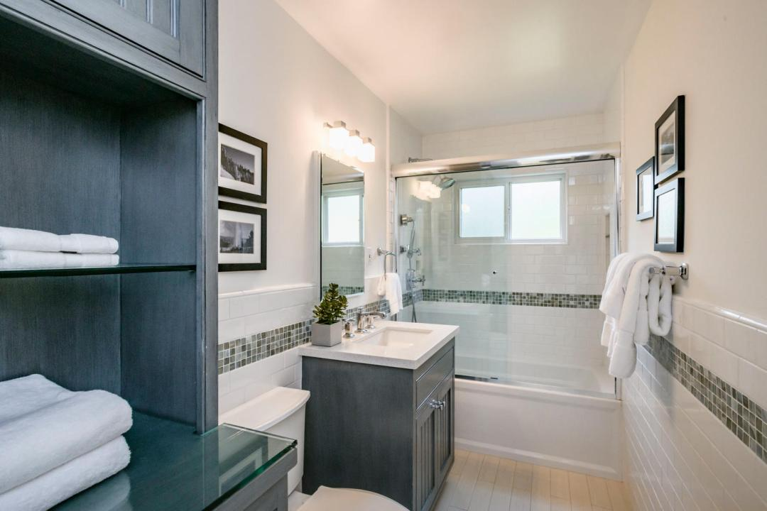 110 Los Montes Dr Burlingame-large-031-26-Bathroom-1500x1000-72dpi