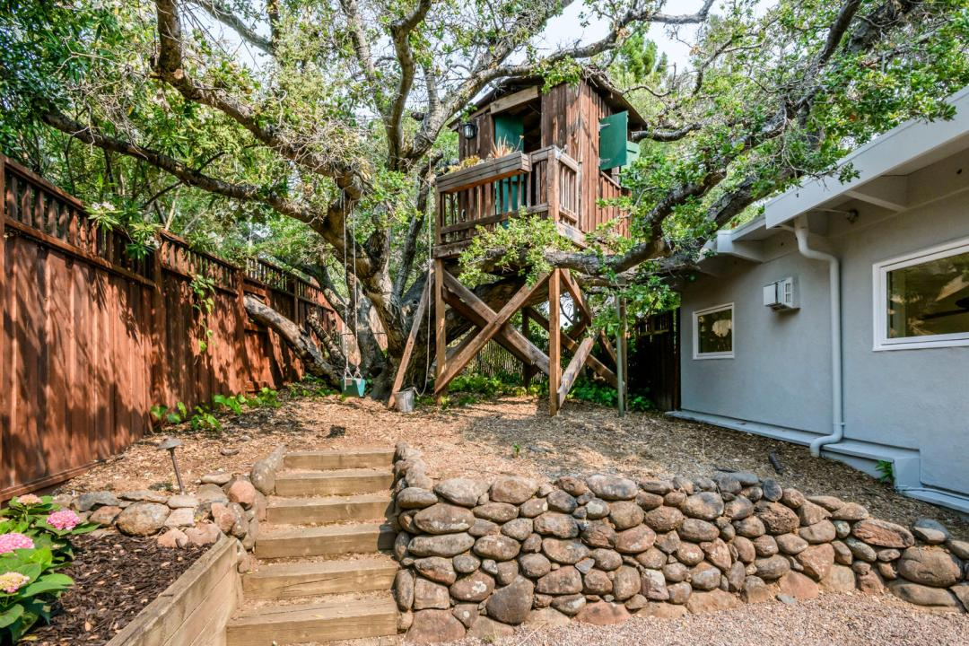110 Los Montes Dr Burlingame-large-038-40-Tree House-1500x1000-72dpi