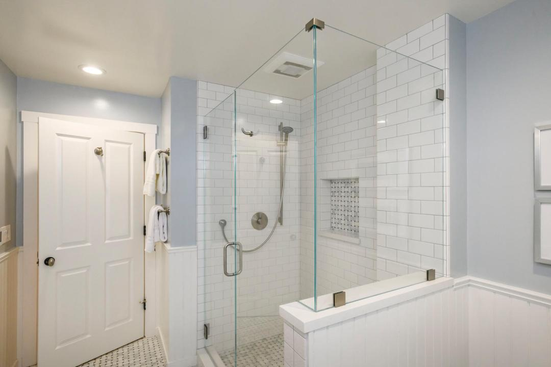 1812 Barroilhet Ave Burlingame-large-034-65-Bathroom-1500x1000-72dpi