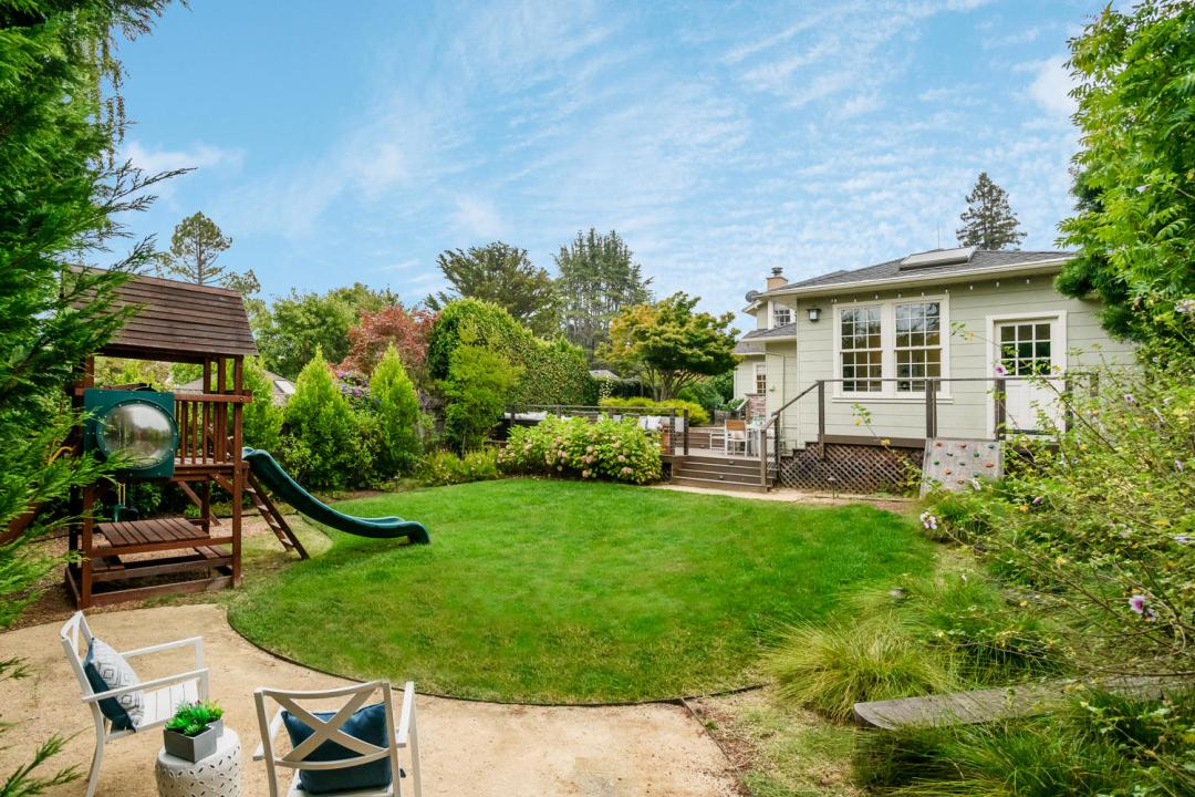 1812 Barroilhet Ave Burlingame-large-052-55-Back Yard-1500x1000-72dpi