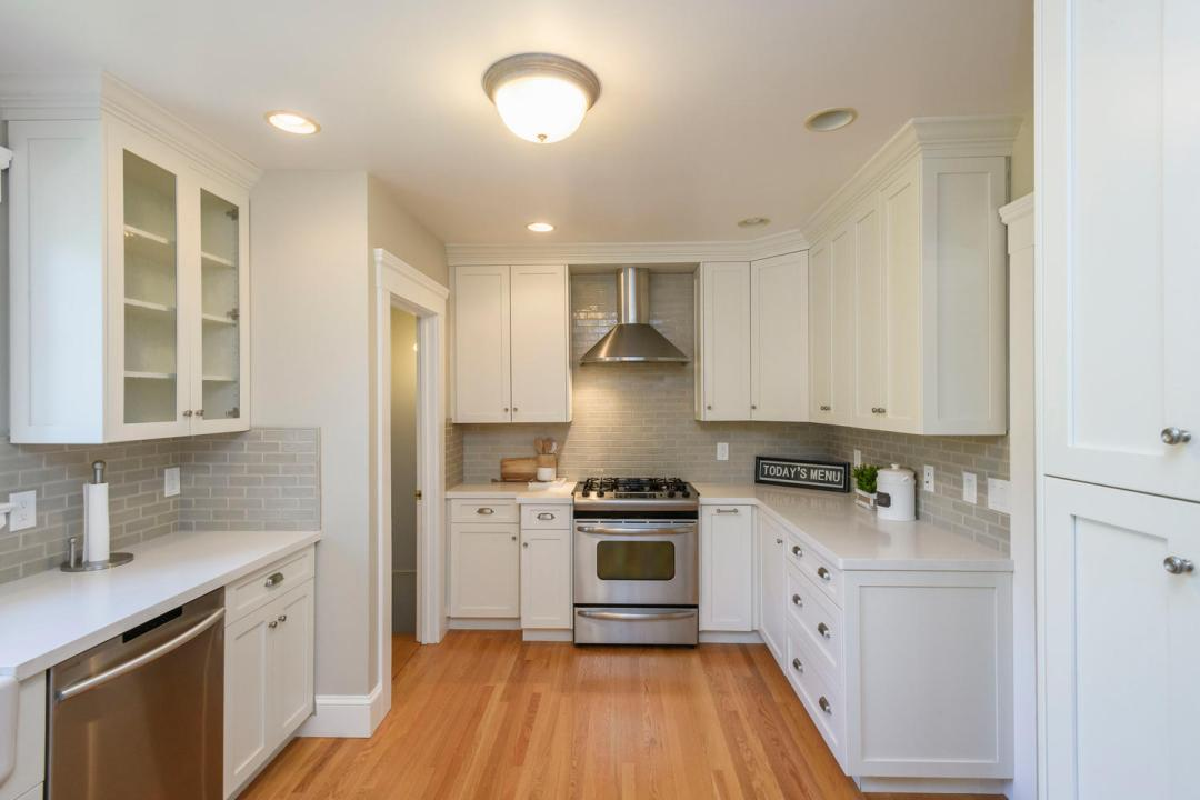 1212 Bernal Ave Burlingame CA-large-014-045-Kitchen-1500x1000-72dpi
