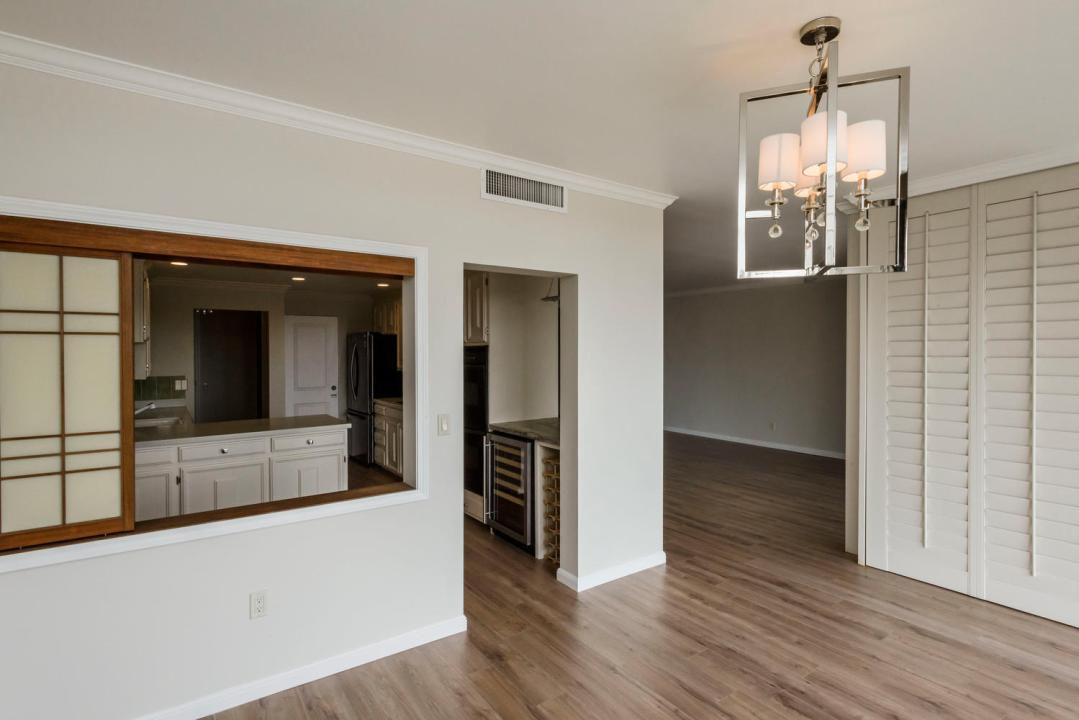 50 Mounds Rd San Mateo CA-large-009-018-Dining RoomKitchen-1499x1000-72dpi