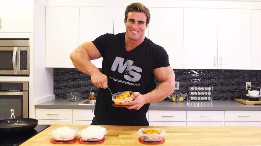 How many calories do I need to gain muscle mass?