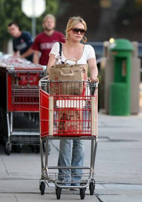 hilary-duff-shops1