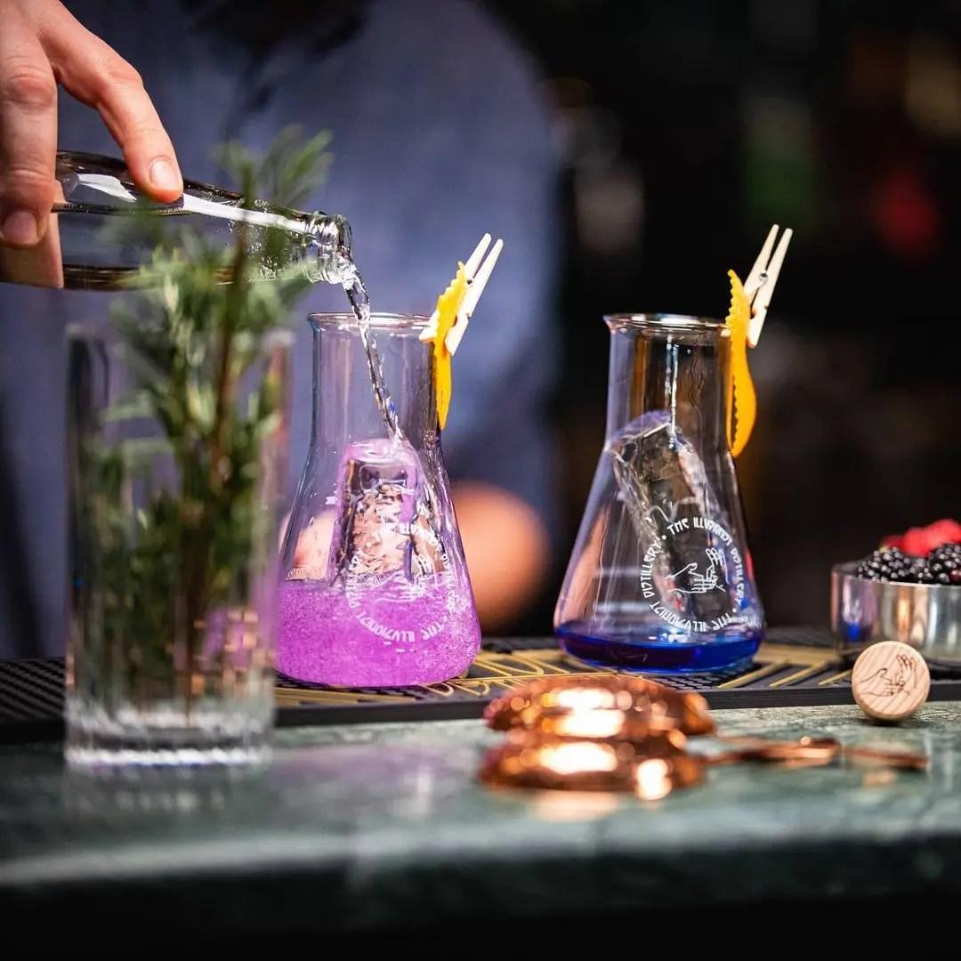 Billede af gin der skifter farve