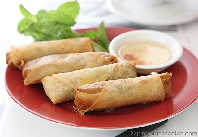 Cha Nem Thit - deep fried spring rolls