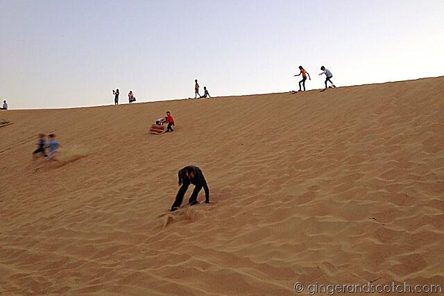 Dubai Drums - sandboarding