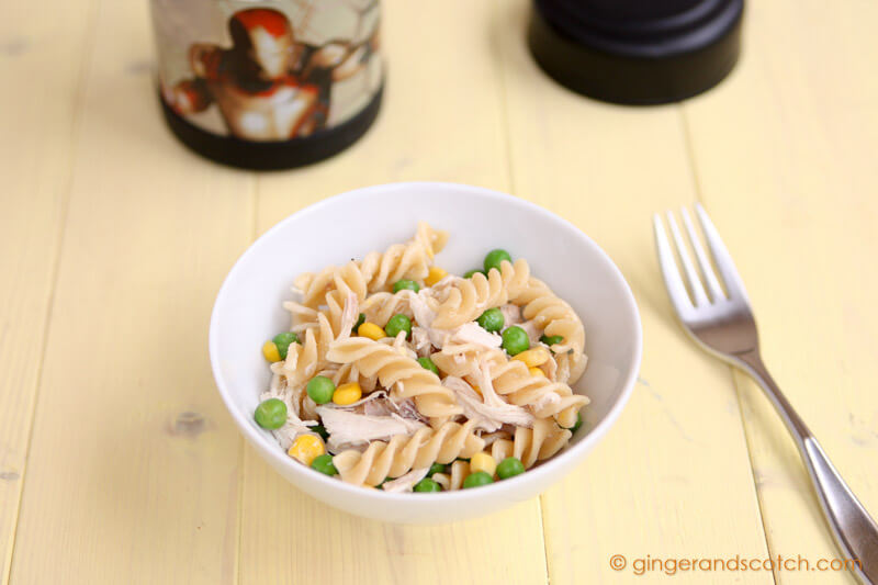 Simple Pasta Salad with Chicken and Peas