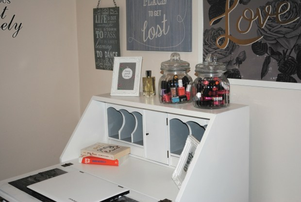 hillarys-bedroom-makeover-spare-room-diy-writing-bureau-white-upcycle-spray-paint