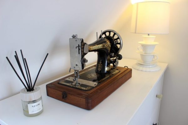 Obsessed with Neom scents! And my vintage Singer sewing machine