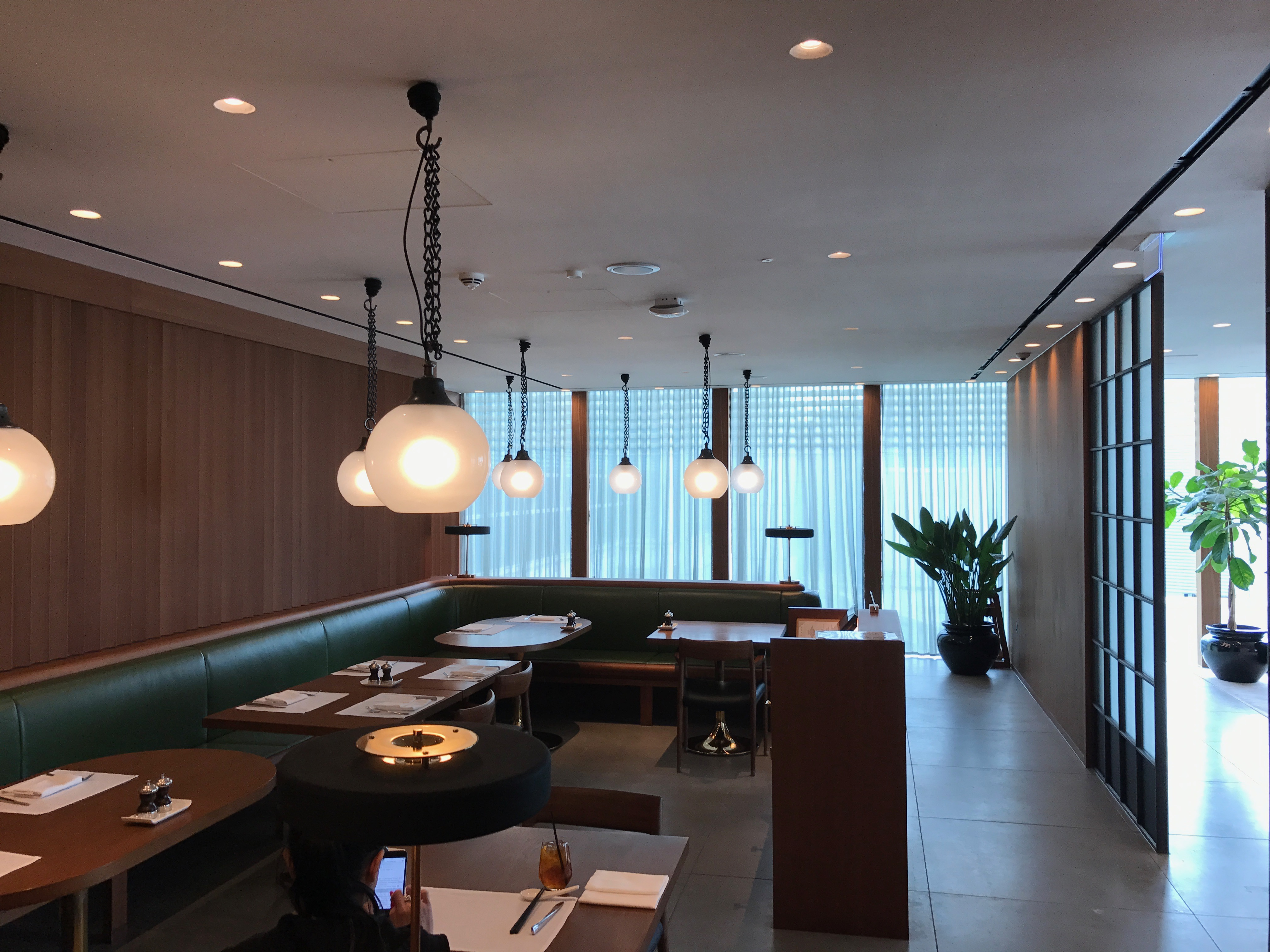 View over the dining area of the cathay pacific first class lounge at Heathrow terminal 3