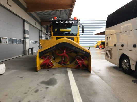 Snow plough at Vienna airport