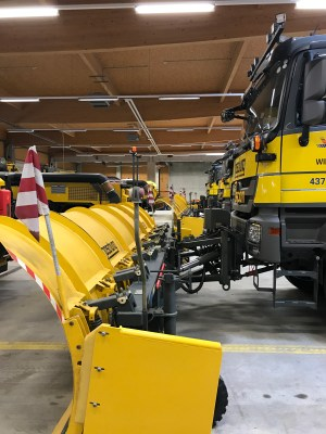 Snow plough at Vienna airport from the side