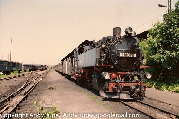 099 735-3 (also known as 99 1762-6) sits at Freital Hainsberg station near Dresden on the 19th July 1992.
