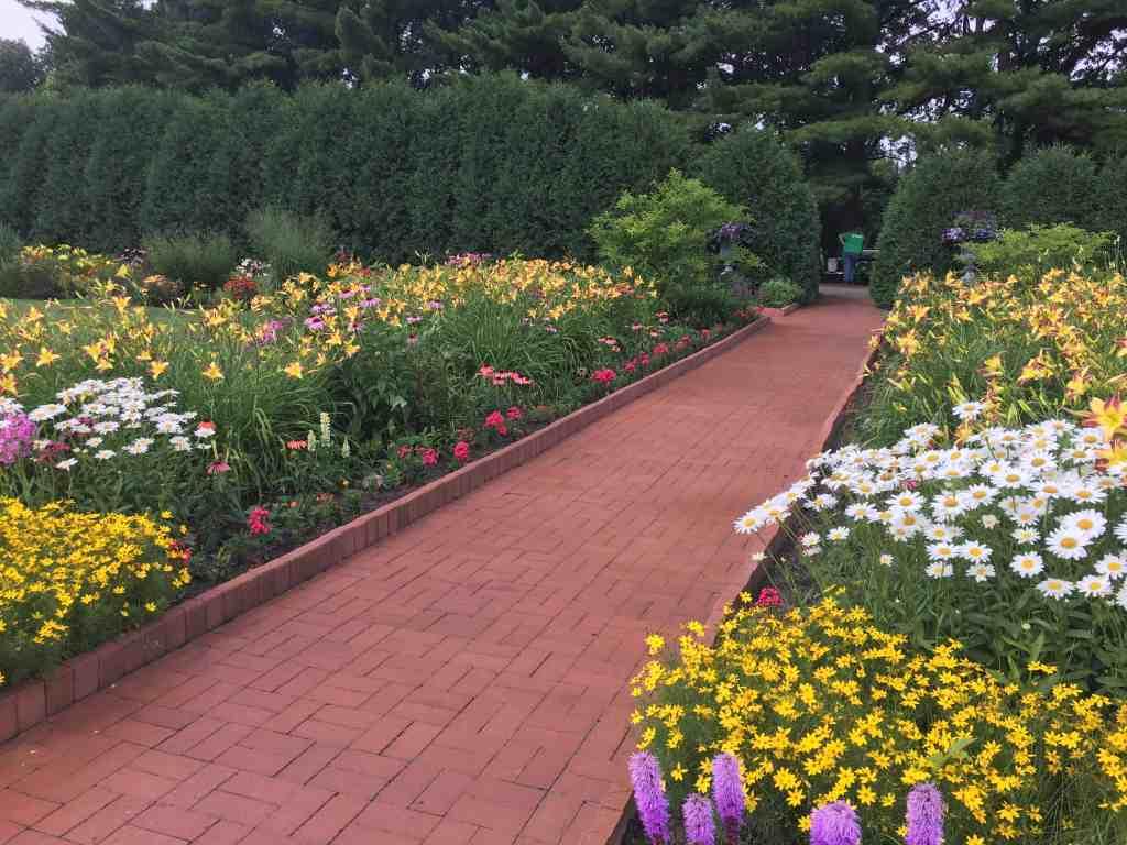 Munsinger Gardens featured at Gingham Gardens