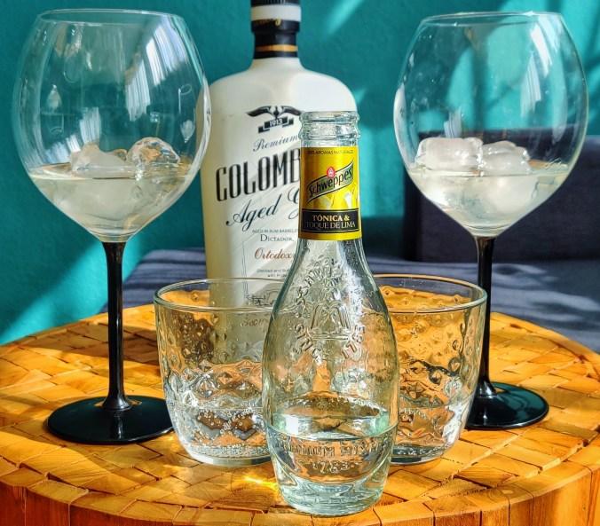 Dictador CoSchweppes Tonica & Toque De Limalombian Ortodoxy Gin