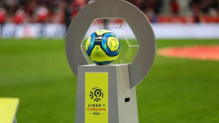 Calcio, in Francia sospese le leghe professionistiche | Numerosette Magazine