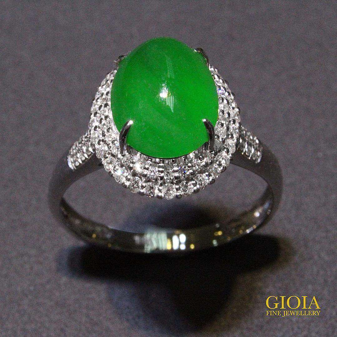 customised jade ring