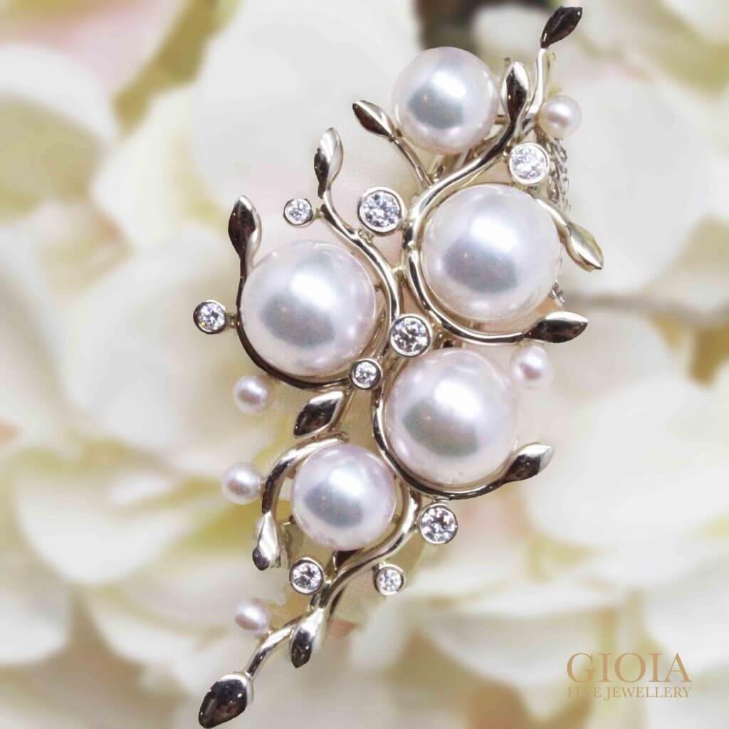 Customised pendant brooch with akoya pearls and round brilliant diamonds | Local Trusted customised Jeweller