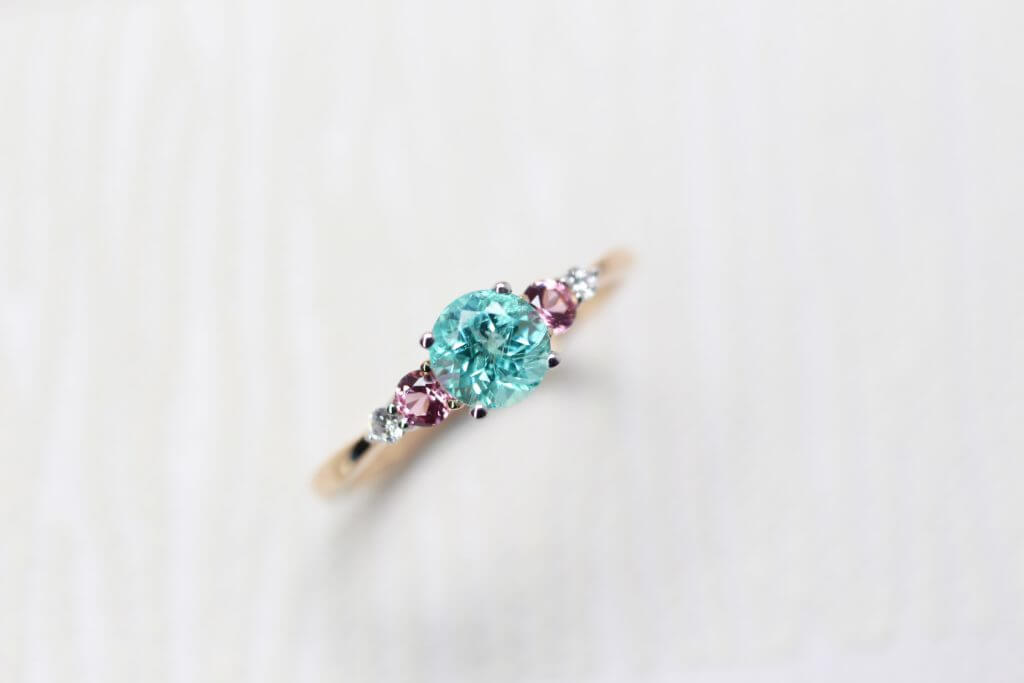 Paraiba Tourmaline Wedding Proposal Ring with rare coloured gemstone paraiba and spinel diamond. Customised wedding ring in Singapore | Private Jewellery in customised wedding jewellery