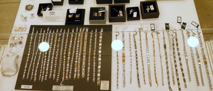 Una vasta gamma di braccialetti