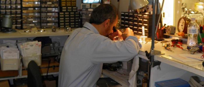 Abili artigiani si prenderanno cura dei tuoi preziosi orologi