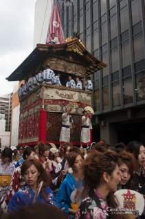 niwatori boko hikizome yukata girls ikenobo gion festival kyoto japan