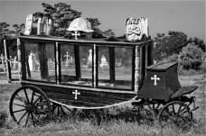Le vieux corbillard du cimetière maritime. Crédit photo: http://www.studio-plus.fr