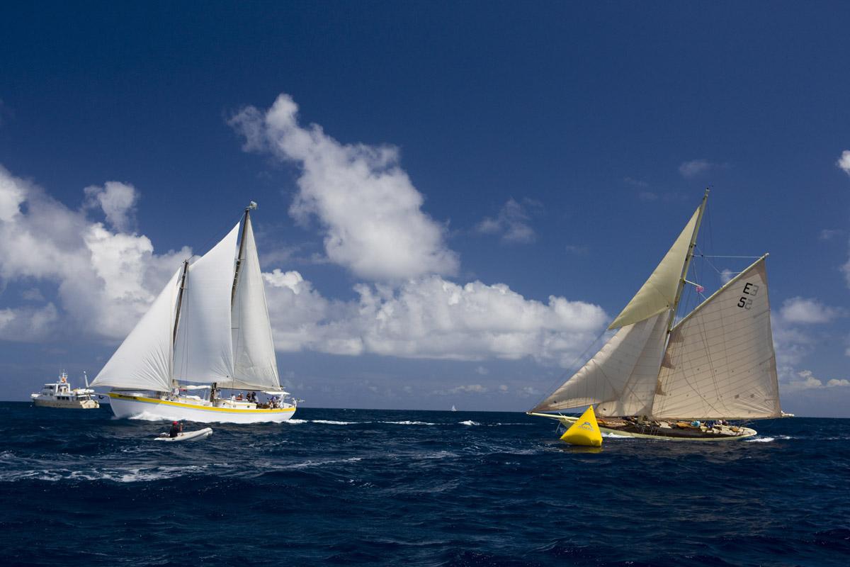 Un momento dell'Antigua Classic Yacht Regatta nel 2008