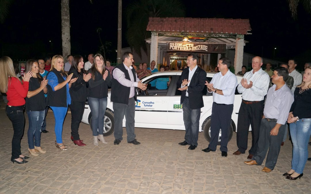 Giovani Cherini entrega Kit Conselho Tutelar para Lagoão
