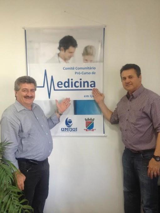 Prefeito Ijuí, Fioravante Ballin, com o deputado Giovani Cherini, apresentando o curso de medicina na Unijuí