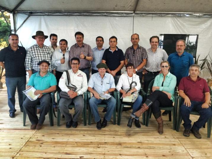 Representantes do agronegócio, autoridades políticas e empresários no lançamento da Frente Parlamentar Mista de Apoio a Ovinocaprinocultura – Frente Ovino
