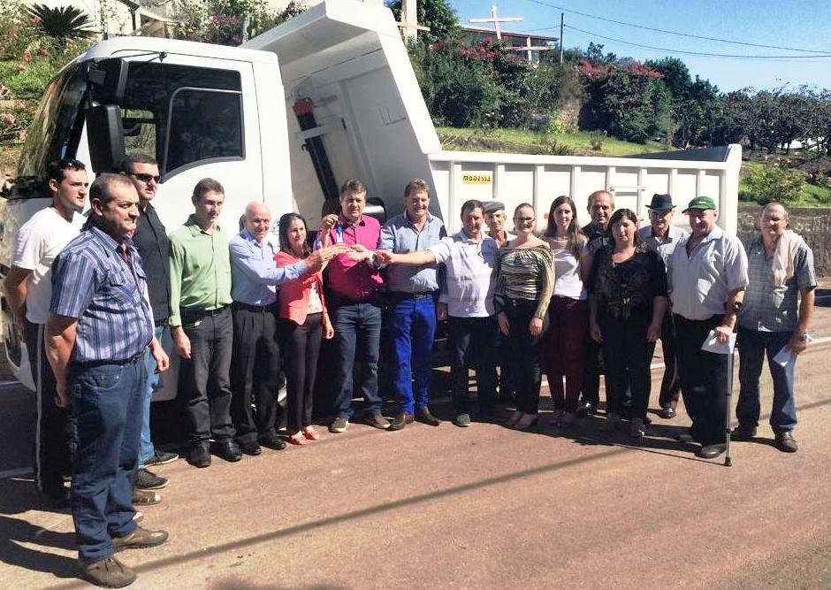 Giovani Cherini entrega emenda parlamentar em Fazenda Vilanova e Coronel Pilar
