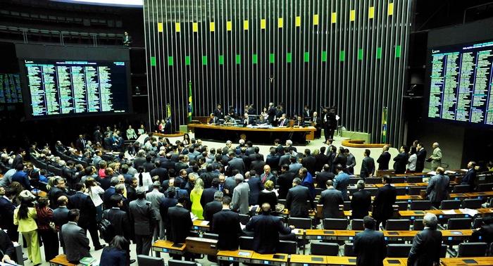 Saiu na mídia – PL 6357, que proíbe circulação de carroças é desarquivado na Câmara dos Deputados