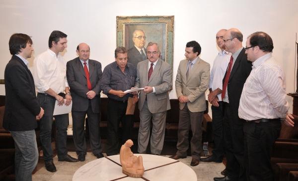 Audiência na presidência da Assembleia trata do PL 119/2011 que cria o 2º Tabelionato de Notas em Santa Rosa