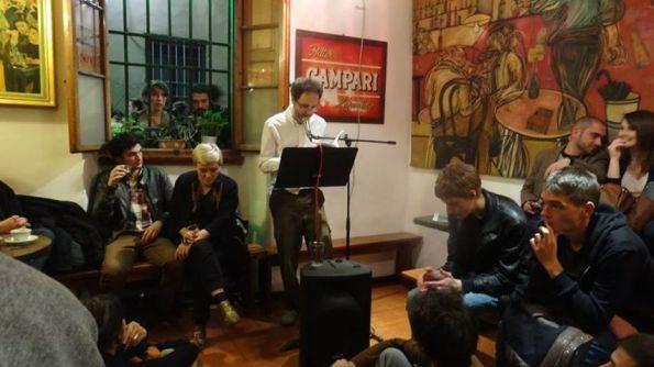 """Un momento del reading di """"Torino una sega 3"""", ottobre 2013, al Caffè Notte a Firenze"""