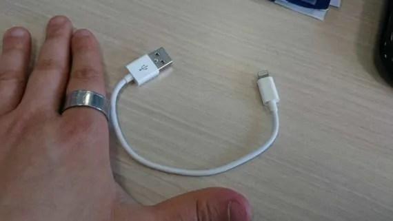 Aukey Lightning 20cm - Sony CP-V5G: non di soli colori tradizionali è fatta l'energia 1