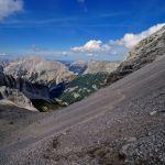Schmaler Steig durch den Schutt © Gipfelfieber.com