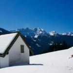 Kapelle und Pragser Dolomiten ©Gipfelfieber