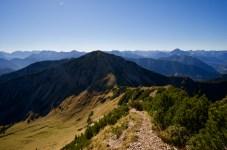 Abstieg zum Sattel - Aufstieg zum Kreuzkopf ©Gipfelfieber