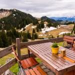 Auf der Terrasse der Priener Hütte ©Gipfelfieber