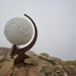 Globus am Gipfel vom Villanderer Berg ©Gipfelfieber