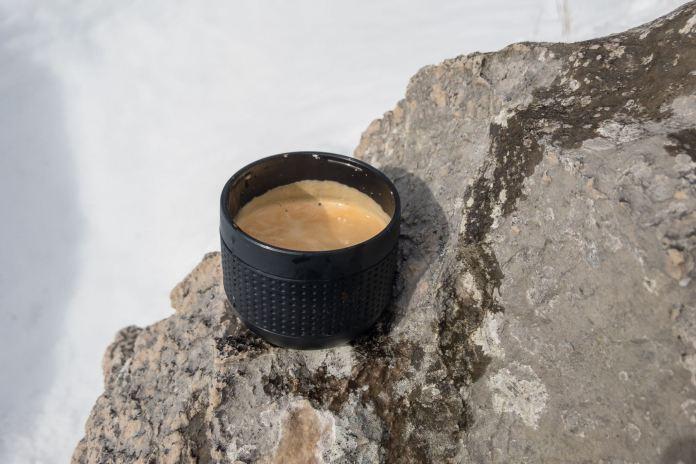 Arendo Espressomaschine to go: Der beste Espresso für draußen ©Gipfelfieber