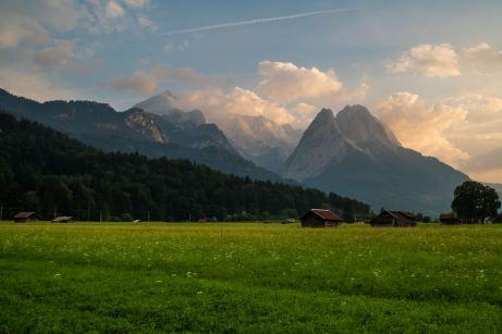 Zugspitzmassiv mit den Waxensteinen ©Gipfelfieber