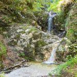 Kleiner Wasserfall am Wegesrand ©Gipfelfieber