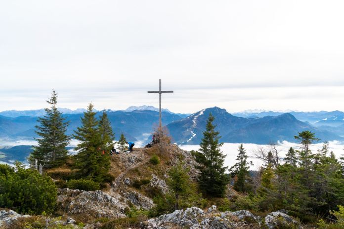 Gipfelkreuz der Rudersburg ©Gipfelfieber