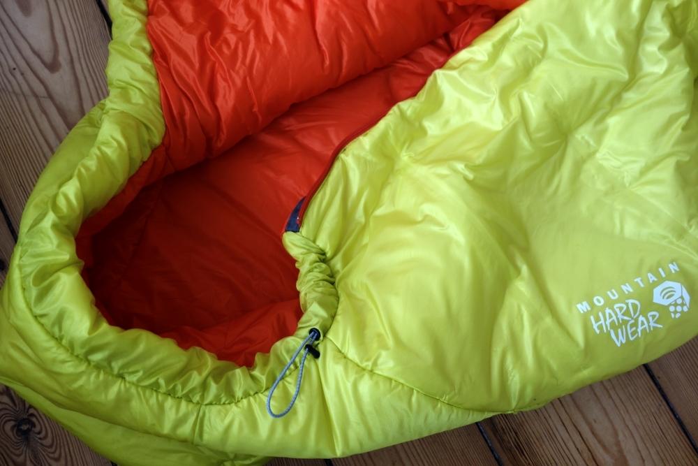 Mountain Hardwear HyperLamina Spark 35 Schlafsack geöffnet