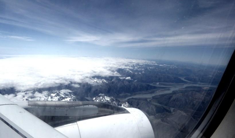 Blick aus dem Flugzeug auf die neuseeländischen Alpen
