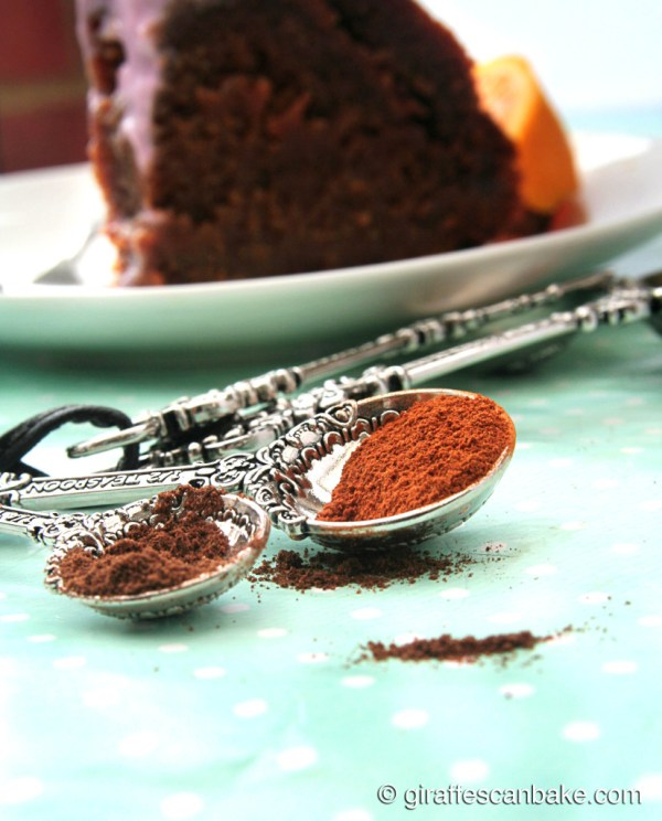 Spiced Orange and Honey Cake - Deliciously moist spiced orange and honey cake, free from any refined sugars and so wonderfully flavourful! It's so easy to make, you gotta try it!
